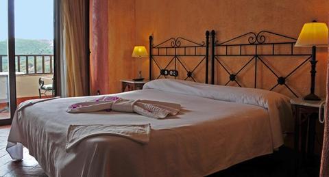 2241284-Molino-de-Santillan-Charm-Hotel-Malaga-Guest-Room-3-DEF